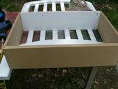 3. 次に、座席の下の収納部分に使用する箱を作ります。