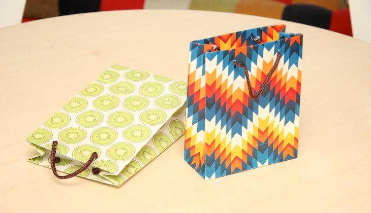紙袋屋さんに教えてもらった、カンタン紙袋の作り方