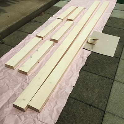 下準備:木材のサンディング、塗装